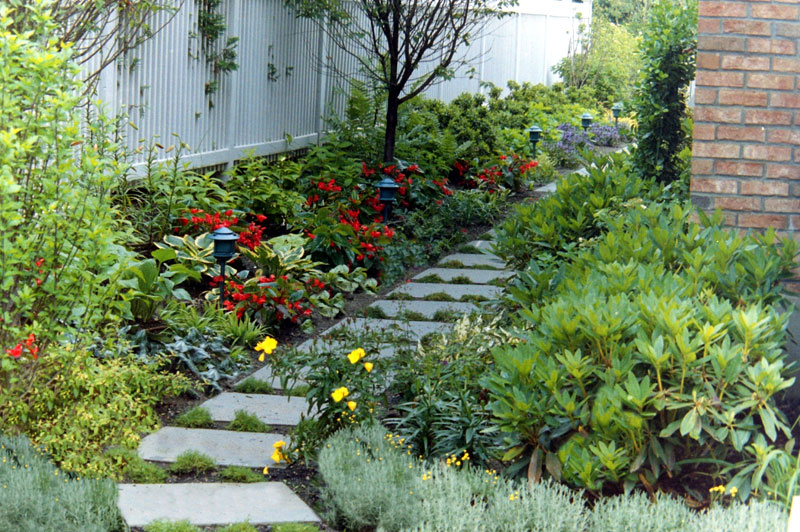 Landscaping Ideas For Shady Side Of House : Maher greenwald shade gardens gallery